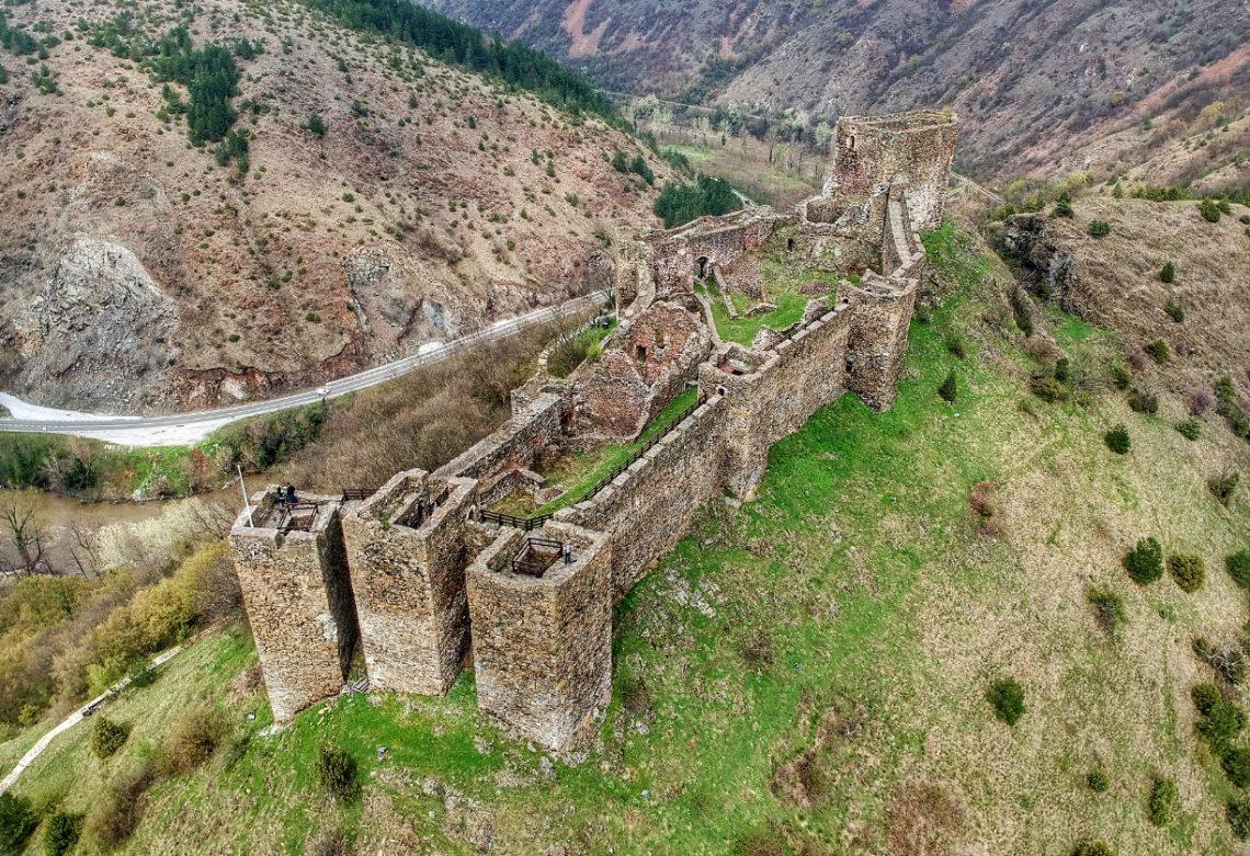 Srednjevekovna tvrđava Maglič