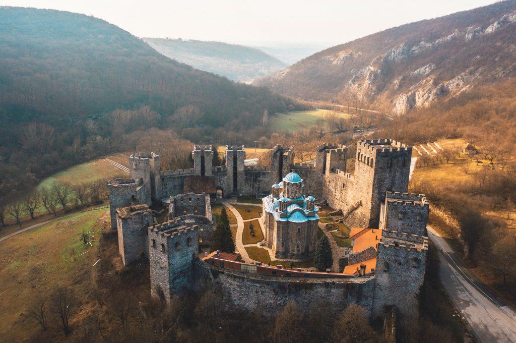 Manastir Manasija slika iz vazduha