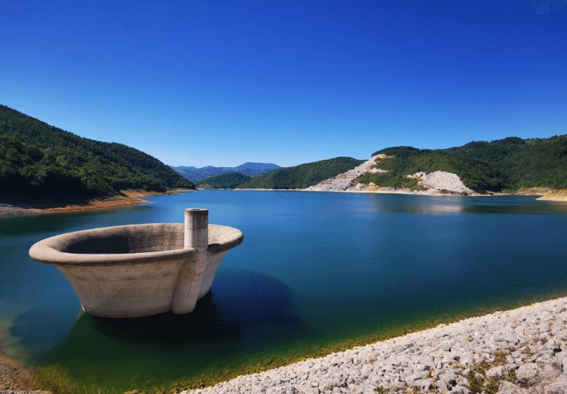 brana rovni